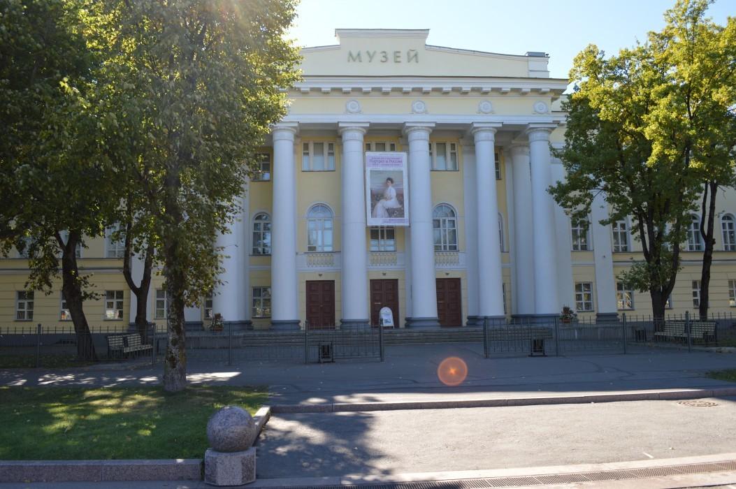 Музей изобразительных искусств (Дворянское собрание)